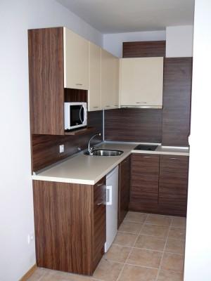 01-kuhnensko-obzavejdane-za-apartament-v-hotel